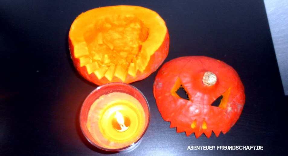 Eines der passendsten Halloween-Rezepte ist ein geschmorter Kürbiskopf aus dem Ofen.