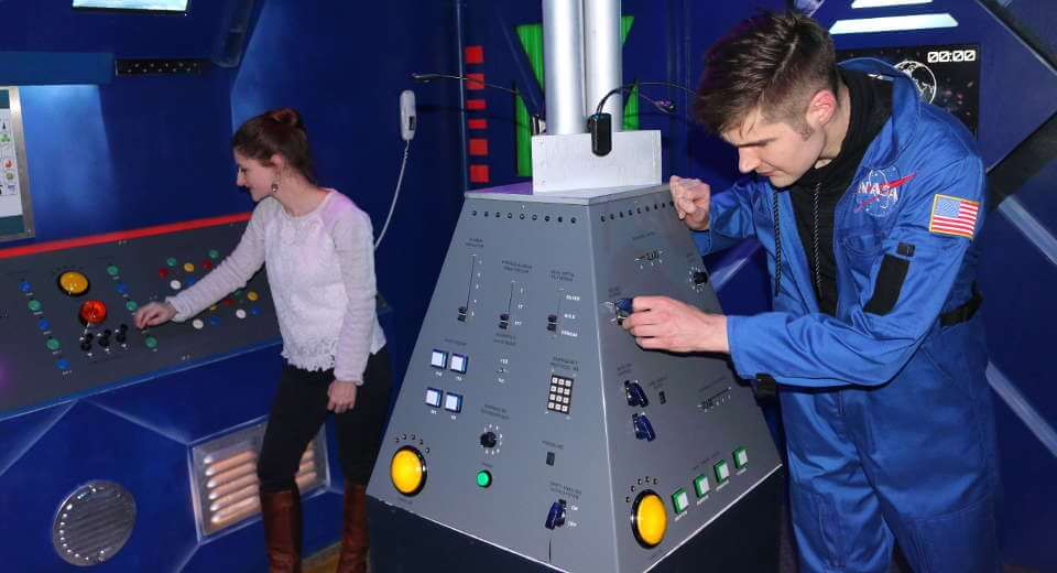 Im Space Escape Room bei Mission Accepted in Berlin