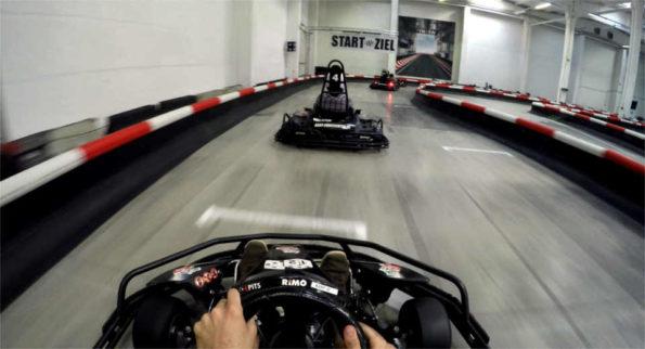 Kart fahren auf der Kartbahn in Berlin im Kart Eventcenter Spielmann