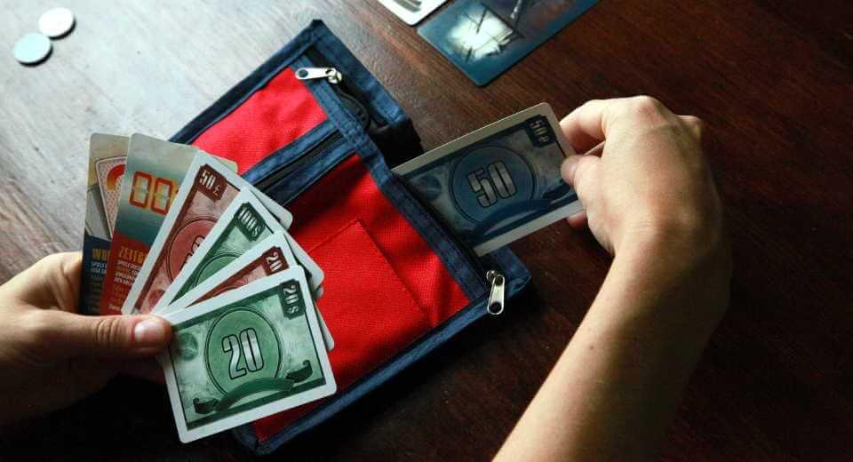 Die Brieftasche des Paten wird geplündert