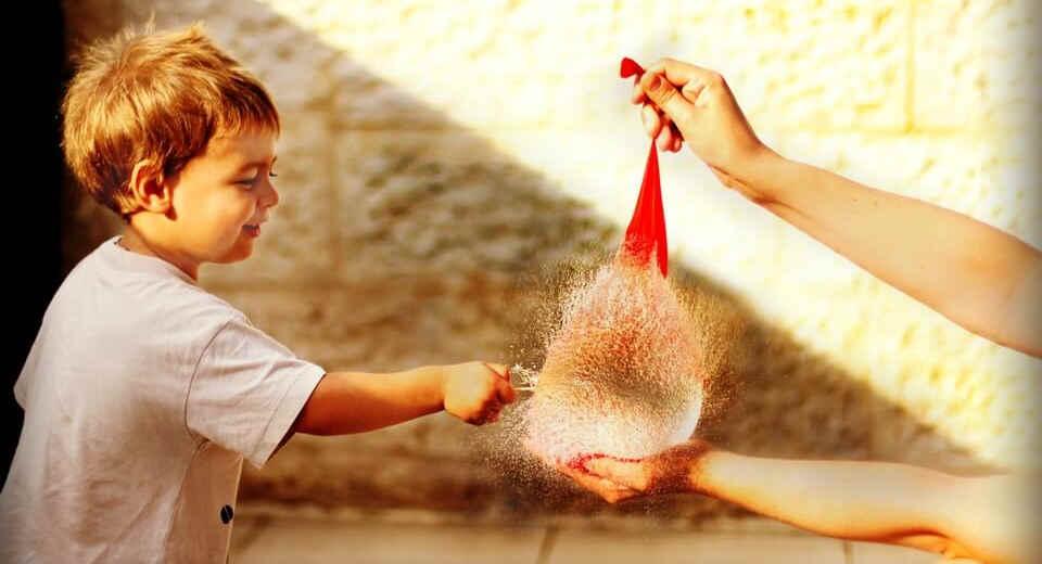 Luftballonspiele sind auf jedem Kindergeburtstag ein echtes Highlight